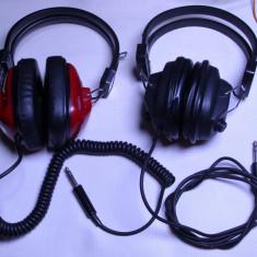 Un lot de 2 casti audio anii 70 de colectie vechi functionale, Casti On Ear, Cu fir, Mufa 3, 5mm