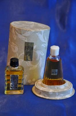 2 Sticle Parfum Romanesc Vechi Mirajvioleta Sticlute Parfumuri