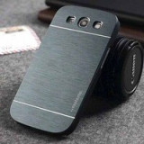 Husa gri MOTOMO aluminiu+plastic Samsung Galaxy S3 i9300 + folie - Husa Telefon, Auriu, Metal / Aluminiu