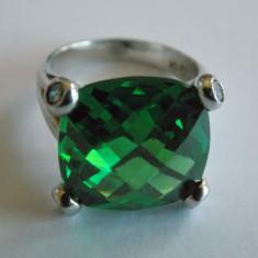 Inel de argint cu piatra verde - 407 - Inel argint