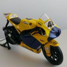 Macheta metal MotoGP Yamaha M1 2006 Valentino Rossi noua, 1:12