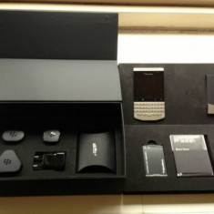 BLACKBERRY P9981 PORSCHE DESIGN SILVER / GRI SIGILATE !! LIBERE !! - Telefon mobil Blackberry 9900, Negru, Neblocat