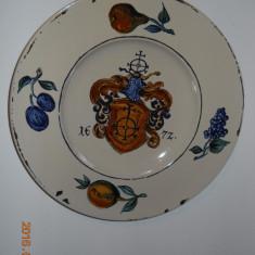 Doua farfurii decor,ceramica antichizata,diam.30cm.