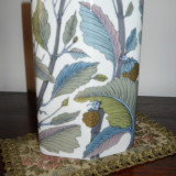 Vaza portelan Rosenthal,forma paralelipipedica,decor color,semnata,inalt.21 cm.