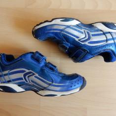 Adidasi Geox Sport cu luminite successive in spate; marime 30 (20 cm talpic) - Adidasi copii Geox, Culoare: Din imagine, Baieti