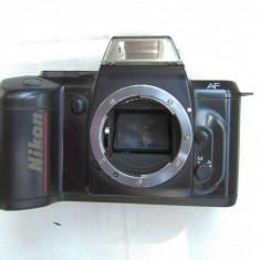 Corp aparat foto film Nikon 401 - Aparat Foto cu Film Nikon, SLR, Mic
