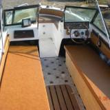 Barca de vanzare - Barca cu motor, An fabricatie: 1980, Interior, Benzina, Numar motoare: 1, Fibra de sticla