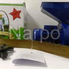 Moara electrica macinat cereale porumb coceni lucerna furaje Micul Fermier nr 4