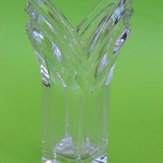 DEOSEBITA SOLIFLORA / VAZA DIN CRISTAL MASIV L36 - Arta din Sticla