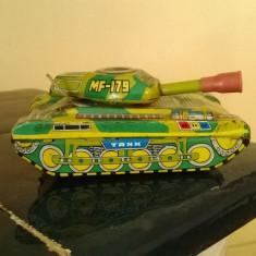 TANC DE COLECTIE DIN TABLA CHINEZESC MF-179 CU MOTORAS MECANIC DIN PERIOADA 1970 - Colectii