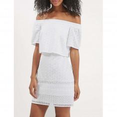 Rochie Dama. Model White Embroidered - Rochie de zi Raspberry, Marime: 32, 34, 36