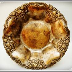 CENTRU DE MASĂ / FRUCTIERĂ DIN ALAMĂ ARGINTATĂ, FRUMOS DECORATĂ, VECHE - 1900! - Metal/Fonta, Vase