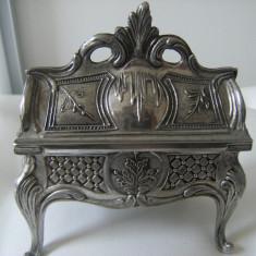 Frumoasa cutie de bijuterii din alama argintataveche, stil barok, de colectiedecor - Cutie Bijuterii