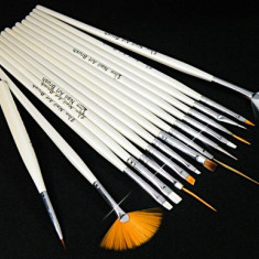 set 15 pensule , accesorii, unghii, gel, manichiura, pedichiura, diferite marimi