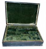 Cutie veche din lemn de stejar pentru ustensile medicinale sau farmaceutice