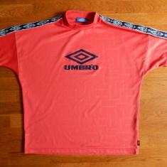 Tricou Umbro cu imprimeu logo; marime M, vezi dimensiuni; impecabil, ca nou - Tricou barbati, Marime: M, Culoare: Din imagine, Maneca scurta