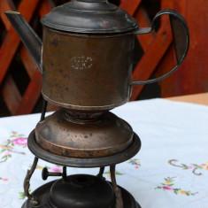VECHI CEAINIC DECORATIV PE SUPORT SI INCALZITOR DIN CUPRU, NECURATAT - Metal/Fonta, Ornamentale