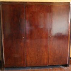 Sifonier vintage din lemn masiv, foarte solid; Dulap de dormitor