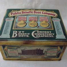 Cutie englezeasca veche din tabla inscriptionata The Public Benefit Boot Company - Cutie Reclama