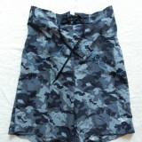 Pantaloni scurti camuflaj Speedo; marime M: 72-104 cm talie elastica etc.