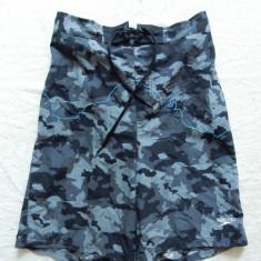 Pantaloni scurti camuflaj Speedo; marime M: 72-104 cm talie elastica etc. - Bermude barbati, Marime: M, Culoare: Din imagine