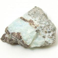 Roca de culoare verzui deschis, posibil calcit - Fosila roca