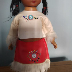 Papusa etno amer-indianca in constum traditional, 29 cm, vintage,