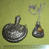 Doua sticlute din metal pentru parfum model oriental - Metal/Fonta