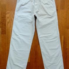 Pantaloni Hugo Boss model Paro; marime 50, vezi dimensiuni; impecabili, ca noi - Pantaloni barbati, Culoare: Din imagine