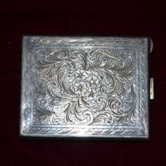 TABACHERA - Metal Argintat - Port Tigaret - Gravata manual - Vintage - Deosebita - Tabachera veche