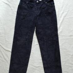 Pantaloni raiati Giorgio Armani; marime 172 cm, vezi dimensiuni exacte; ca noi - Pantaloni barbati, Marime: Masura unica, Culoare: Din imagine