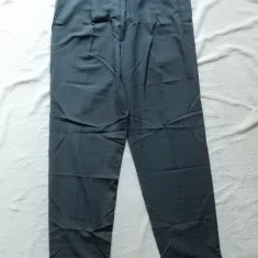 Pantaloni Hugo Boss; marime 54, vezi dimensiuni; lana pura; impecabili, ca noi - Pantaloni barbati, Culoare: Din imagine
