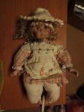Papusa Porcelan de colectie fetita trista ca 44 cm