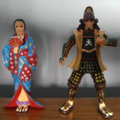 Lot 2 figurine gheisa si samurai, cauciuc tare, 8cm si 9cm, Plastoy, China - Figurina Desene animate