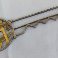 Cheie argint si argint aurit executata manual Masiva patina minunata, Ornamentale