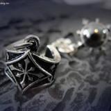 Cercel ear cuff gotic Chaosium - Pandantiv fashion