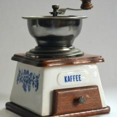Rasnita de cafea realizata din ceramica, metal si lemn, functionala - Rasnita Cafea