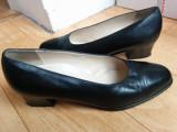 Pantofi din piele firma BALLY marimea 38, sunt noi!, Negru, Cu talpa joasa