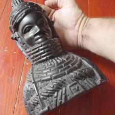 Arta Africana - Statuie bust soldat in armura tribala / Sculptura in lemn Abanos - Arta din Africa