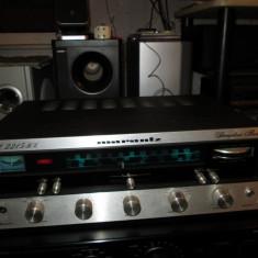 Amplituner vintage MARANTZ Model 2215BL - Amplificator audio Marantz, 0-40W
