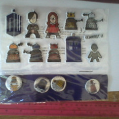 Bnk jc Doctor Who - Set insigne si stickere - Jucarie de colectie
