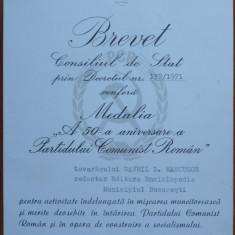 2 Brevete comuniste acordate lui Gavril Marcuson , redactor la Ed. Enciclopedica
