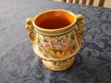 Vas din ceramica decorat manual, origine Italia