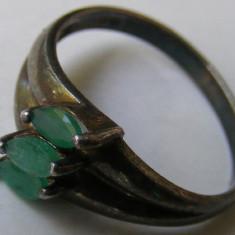 Inel vechi din argint cu 3 pietre verzi - de colectie - Inel argint