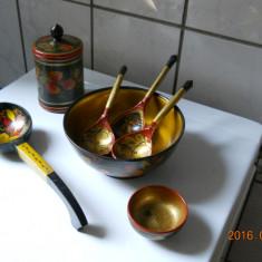 Set de 7 obiecte artizanale rusesti, din lemn,decor color lac