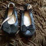 Papucei, balerini negri, pantofiori, marimea 24-25, cu fundita, negri