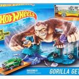 Jucarie Hot Wheels Track Set Jump And Score Gorilla Getaway Playset