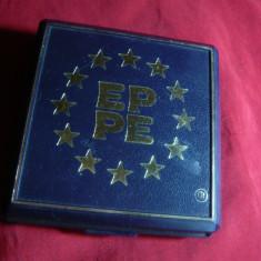 Cutie pt Monede EPPE cu lacasuri pt 4 monede cu diametrul=2cm ; 2, 5 ;2, 7si 3 cm