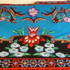 Covor cusut de mana cu acul (macat) - zona Muntenia - Carpeta