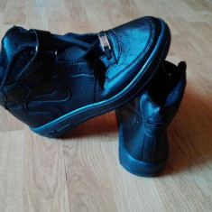 Ghete Adidasi Nike Air Force nr .37 LICHIDARE DE STOC ! - Adidasi barbati Nike, Culoare: Negru